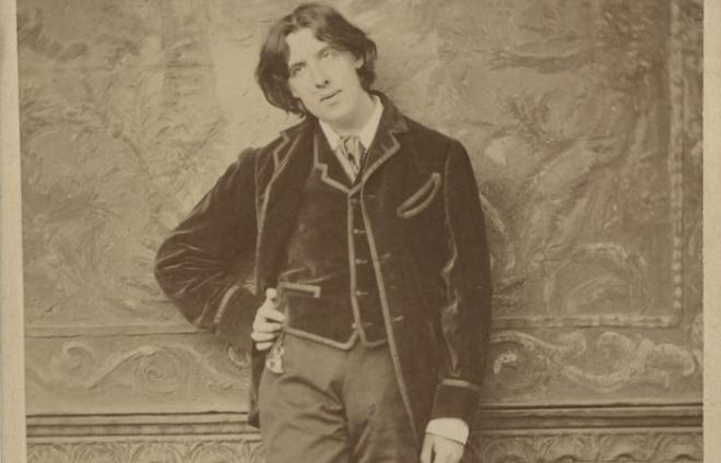 a photograph of Oscar Wilde